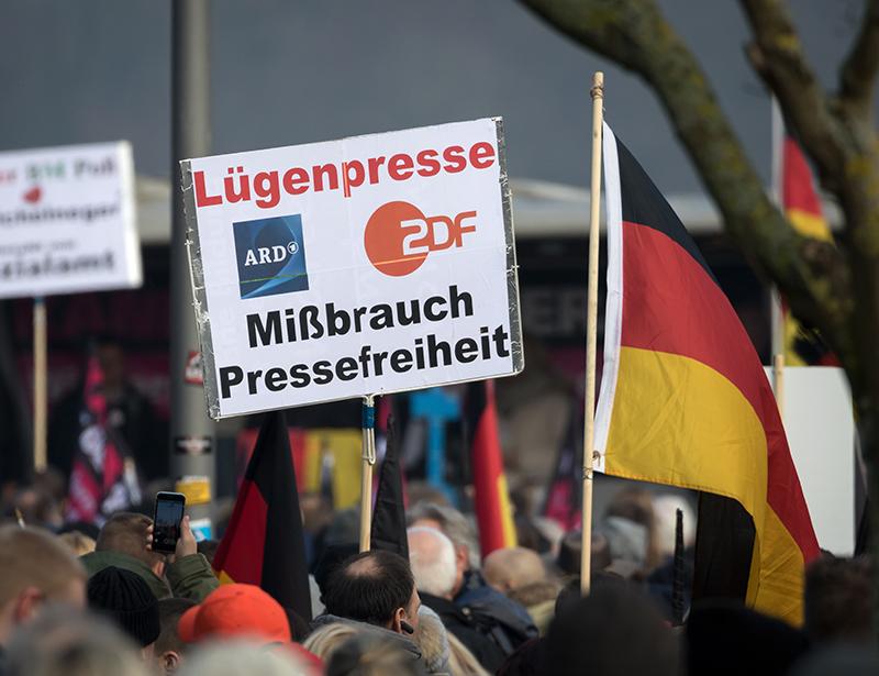 Citaten Hitler Duits : Lügenpresse: de comeback van een omstreden leus duitsland instituut