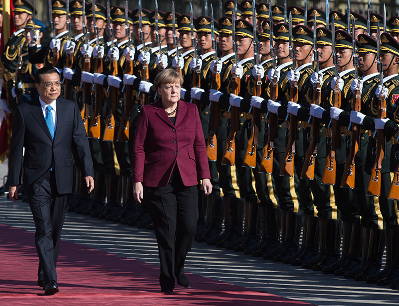 Merkel in China: steun in Syriëcrisis en miljardendeals