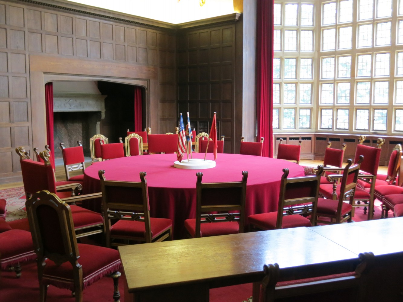 De conferentietafel in Schloss Cecilienhof in Potsdam. Foto: Flickr/Ian Gray/cc